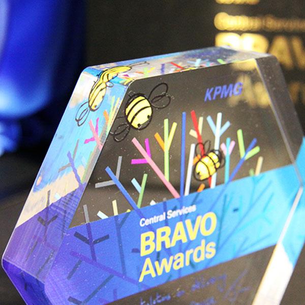 Kpmg Bravo Award Efx Bespoke Awards And Trophies